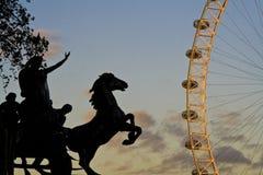 W Londyn zmierzchu widok Fotografia Stock