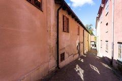 W malutkiej ulicie w Visby kapitał Gotland wyspa Szwecja Fotografia Stock