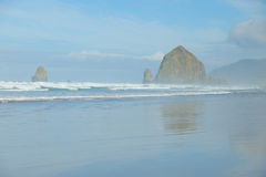 W mgle działo plaża Zdjęcia Stock