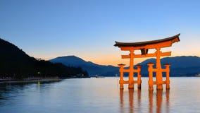 W Miyajima Itsukushima Brama Torii, Japonia Fotografia Stock