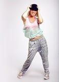 W Modnej Odzieży Hip Hop energiczny Tancerz fotografia royalty free
