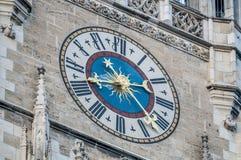 W Monachium Neues budynek Rathaus, Niemcy Obrazy Stock