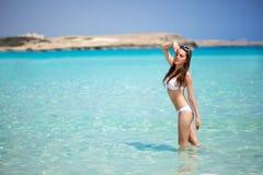 W morzu kobieta Zdjęcia Stock