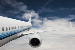 W niebie duży samolot fotografia stock