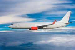 W niebie samolotowy latanie zdjęcia stock