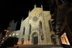 W noc Como średniowieczna katedra Zdjęcie Stock