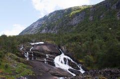 W Norwegia halna siklawa fotografia royalty free