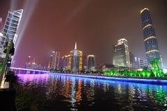 W Nowym Guangzhou Miasteczku noc scena Zhujiang Fotografia Stock