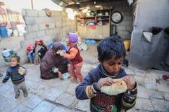 W oblężonym Gaza, ubóstwo pogarsza dziecka niedożywianie obraz stock