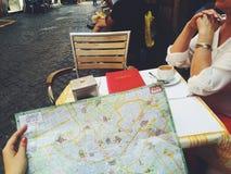 Włochy Rome 2014 turystów mapy café mama kawowa dama ja lato zabawy moda Obrazy Stock