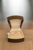 W oddaleniu Diamentowy pierścionek Zdjęcie Royalty Free