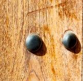 w Oman abstrakta i tekstury tła starej antykwarskiej drzwiowej linii Zdjęcie Royalty Free