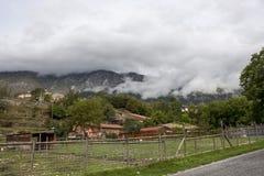 Włoska wioska w górach Zdjęcia Royalty Free
