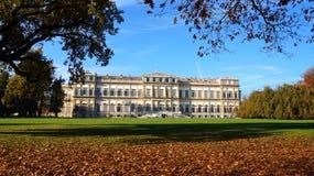 Włoski punkt zwrotny w spadku Monza Royal Palace w jesieni Obrazy Royalty Free