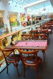 Włoski restauracyjny Christmastime centrum handlowe Obrazy Stock