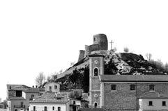 Włoski wiejski krajobraz z grodowymi ruinami fotografia stock