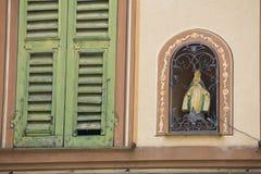 włoskiej tafli typowy okno Zdjęcia Royalty Free