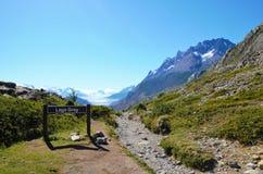 W-passeio na montanha do parque nacional de Torres del Paine Fotos de Stock Royalty Free