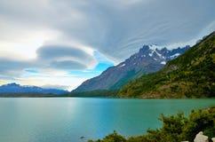 W-passeio na montanha do parque nacional de Torres del Paine Foto de Stock