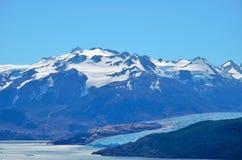 W-passeio na montanha do parque nacional de Torres del Paine Imagem de Stock