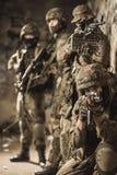 W pełni wyposażający wojskowi fotografia royalty free