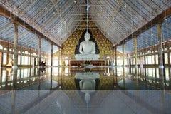 W phu ruea biały Buddha Obrazy Royalty Free