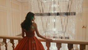 W Plenerowej Rewolucjonistki Trzepotliwej Sukni piękno Kobieta zdjęcie wideo