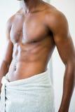 W połowie sekcja bez koszuli mięśniowy mężczyzna obrazy royalty free