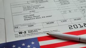 W-2 podatków forma 2018 dla mężczyzna osoby zbiory