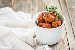 W pomidorowym kumberlandzie mięsne piłki Obraz Royalty Free
