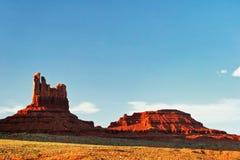 W Pomnikowej Dolinie pogodny wieczór arizonan fotografia stock
