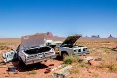 W Pomnikowej Dolinie samochodowi wraki, Utah, USA Zdjęcie Royalty Free