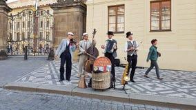 W Praga uliczni artyści fotografia stock