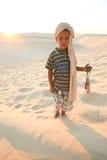 W pustyni tunezyjska chłopiec Obraz Royalty Free