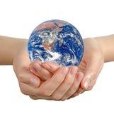 W ręce planety Ziemia Obrazy Stock