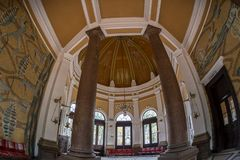 Wśrodku budynku stacja kolejowa Baile Herculane, R Fotografia Royalty Free