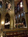W?rodku Notre Damae katedry fotografia royalty free