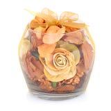 Wśrodku przejrzystego szklanego pucharu susi kwiaty. Fotografia Stock
