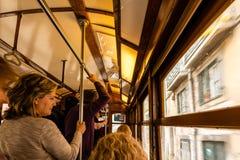 Wśrodku tradycyjnego starego tramwaju Lisbon Obraz Royalty Free