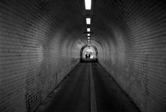 w środku tunelu obrazy stock