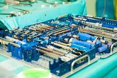 W sala operacyjnej chirurgicznie instrumenty Fotografia Stock