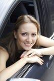 W samochodzie ładna kobieta Zdjęcie Royalty Free