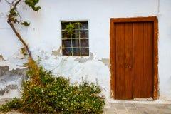 Wąska ulica w wiosce Kritsa blisko Agios Nikolaos Obraz Royalty Free