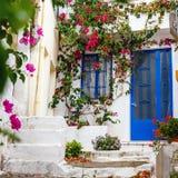 Wąska ulica w wiosce Kritsa blisko Agios Nikolaos Zdjęcie Royalty Free