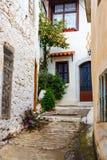 Wąska ulica w wiosce Kritsa blisko Agios Nikolaos Zdjęcia Royalty Free