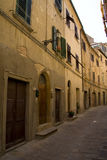 wąska ulica wspÓlnot europejskich, zdjęcie royalty free