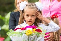 W stopień migrenie przed iść szkoła pierwszy Wrzesień zdjęcia stock