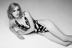 W swimwear modna Beautyful dziewczyna Zdjęcie Stock