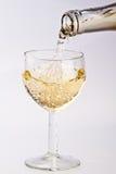 W szkło TARGET206_1_ biały wino Fotografia Stock