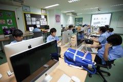W szkole wyższa w Bangkok, ucznie w komputer klasie Zdjęcie Royalty Free